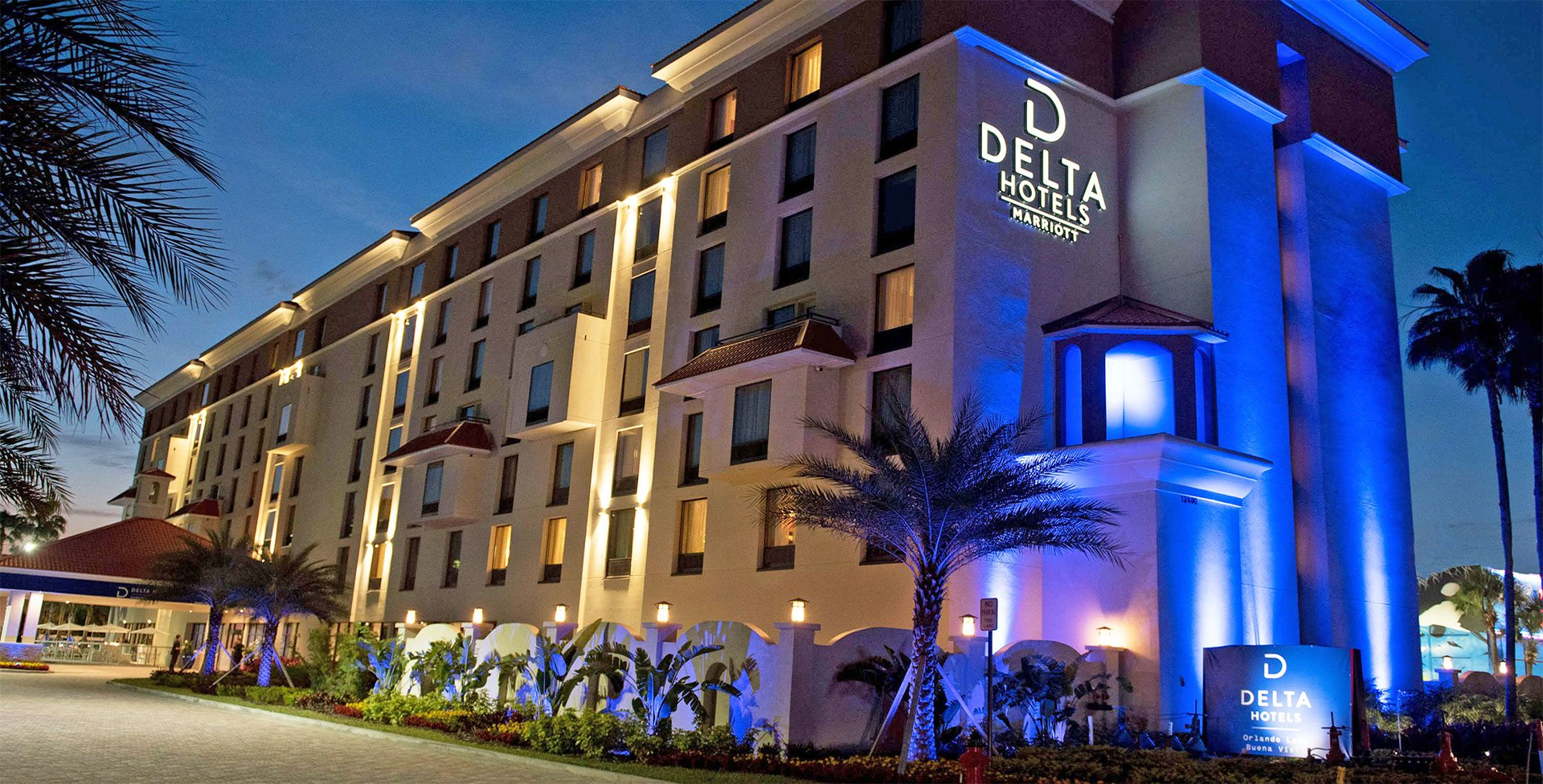 10 Ways to Chill by the Delta Orlando Hotel Poolside