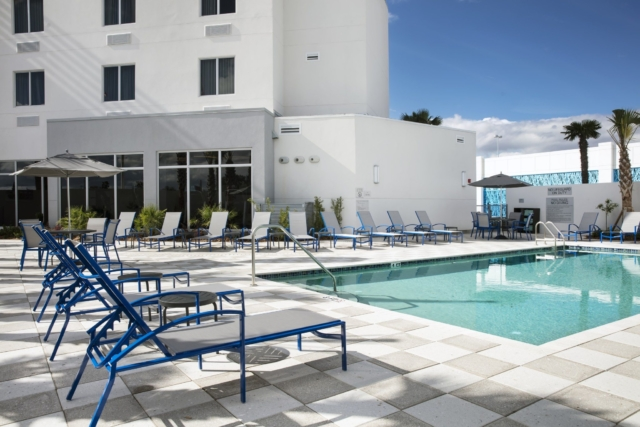 Fairfield Inn & Suites Daytona Beach Speedway/Airport pool area