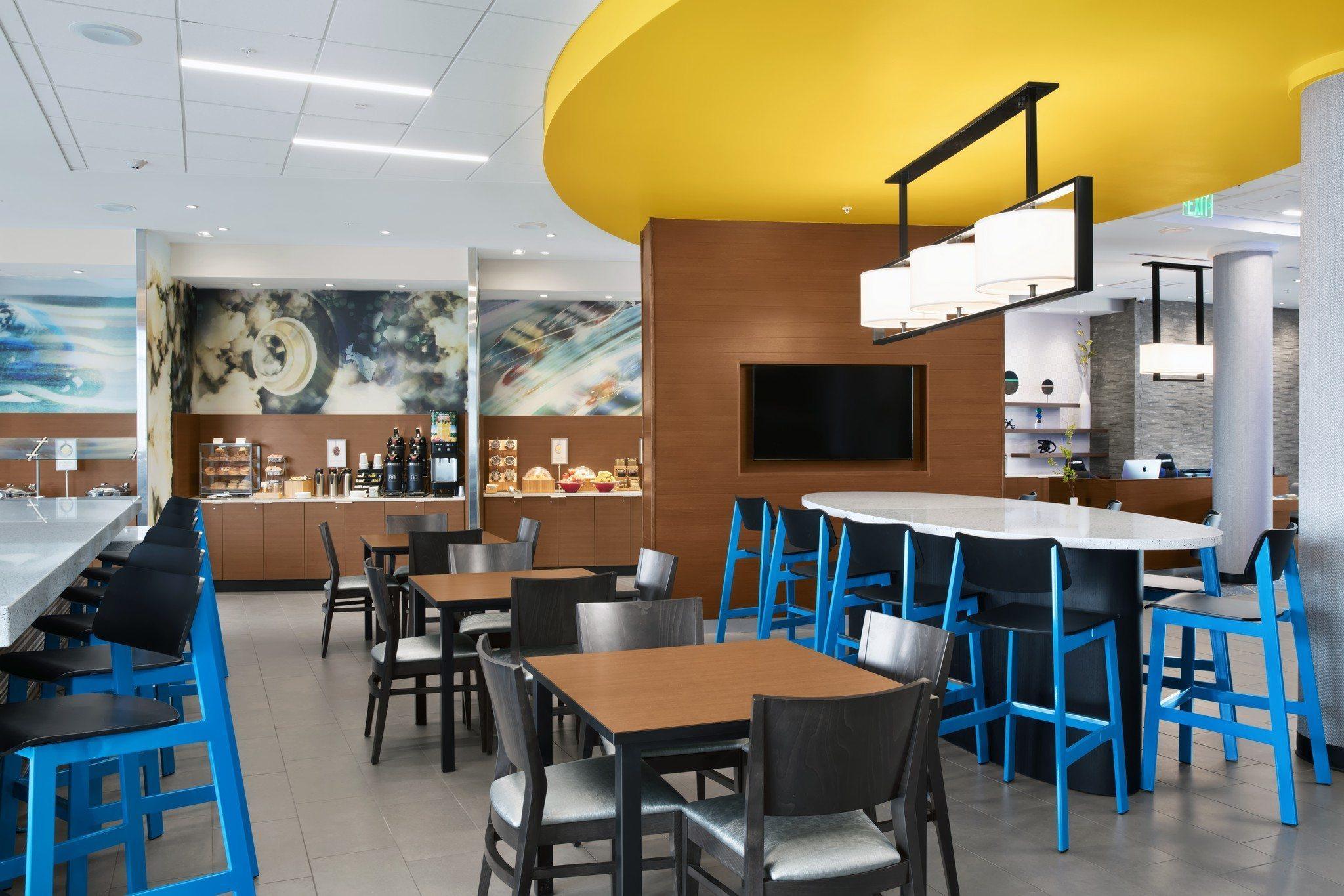 Fairfield Inn & Suites Daytona Beach Speedway/Airport breakfast area