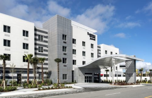 Fairfield Inn & Suites Daytona Beach Speedway/Airport entrance