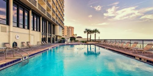 Holiday Inn Express & Suites Oceanfront Daytona Beach Shores pool